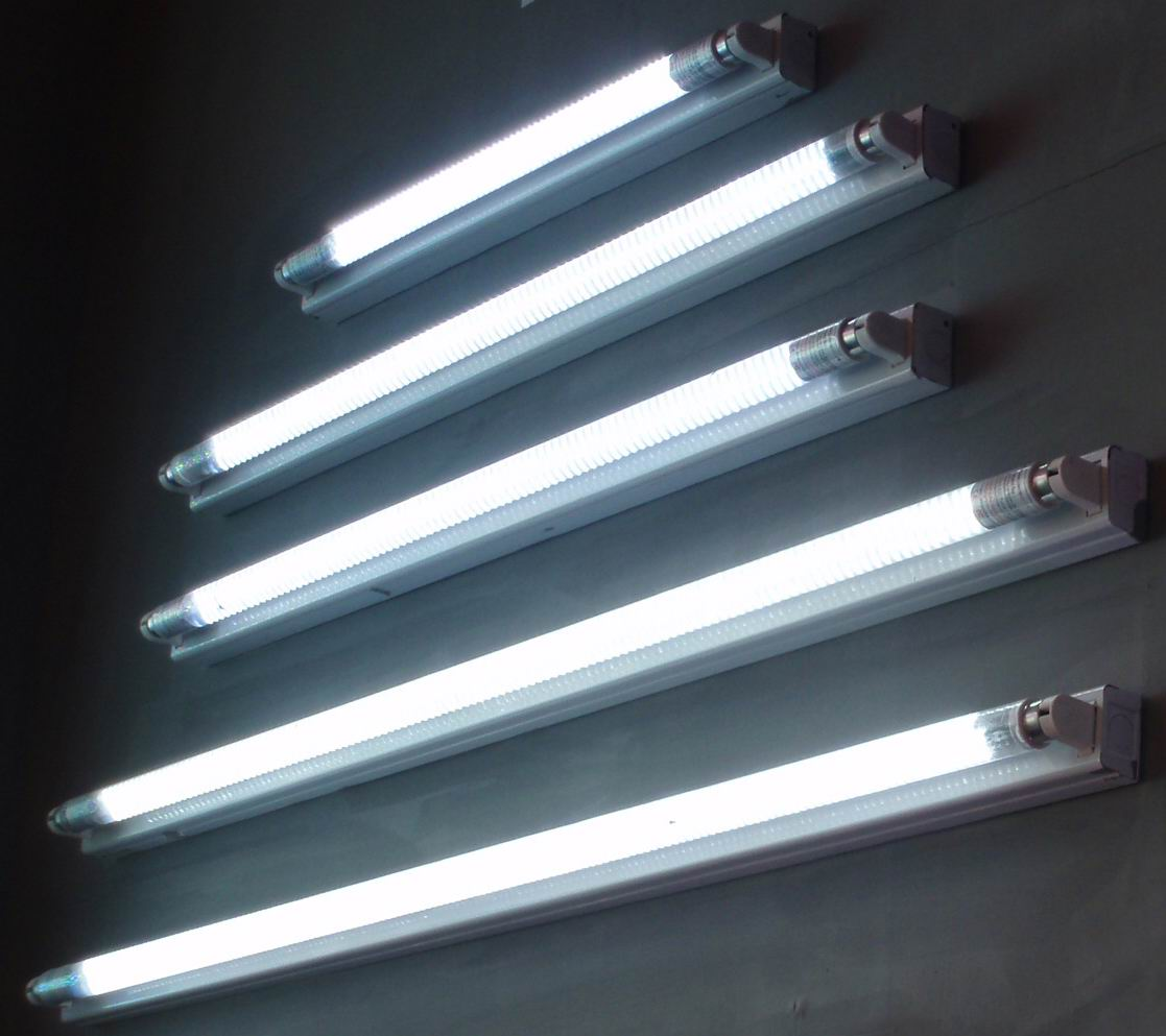Fluorescent Lighting How Safe is It? « Shat-